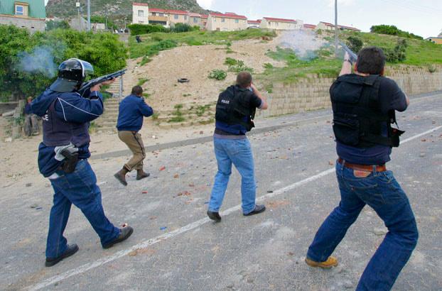 hangberg police rubber bullets