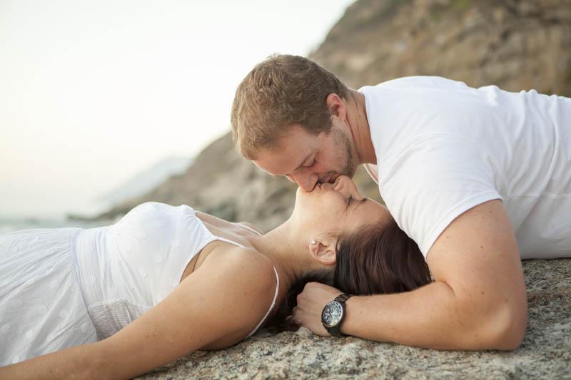 romantic couple photoshoot